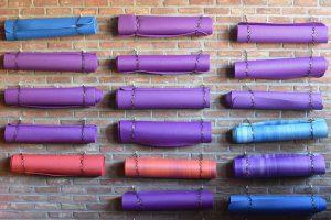 Tapis de yoga : un choix important pour votre pratique du yoga !